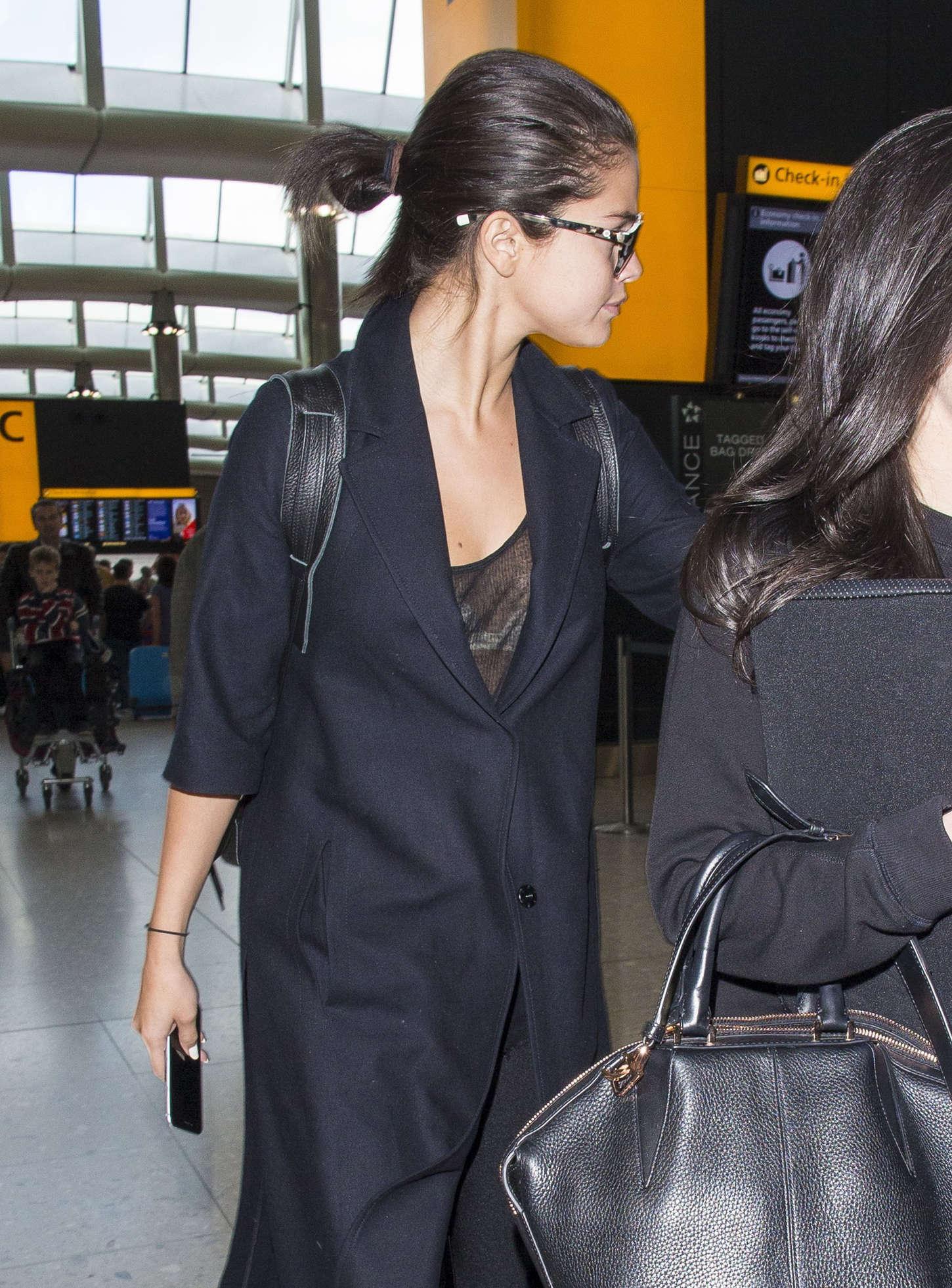 Selena Gomez - Heathrow Airport in London