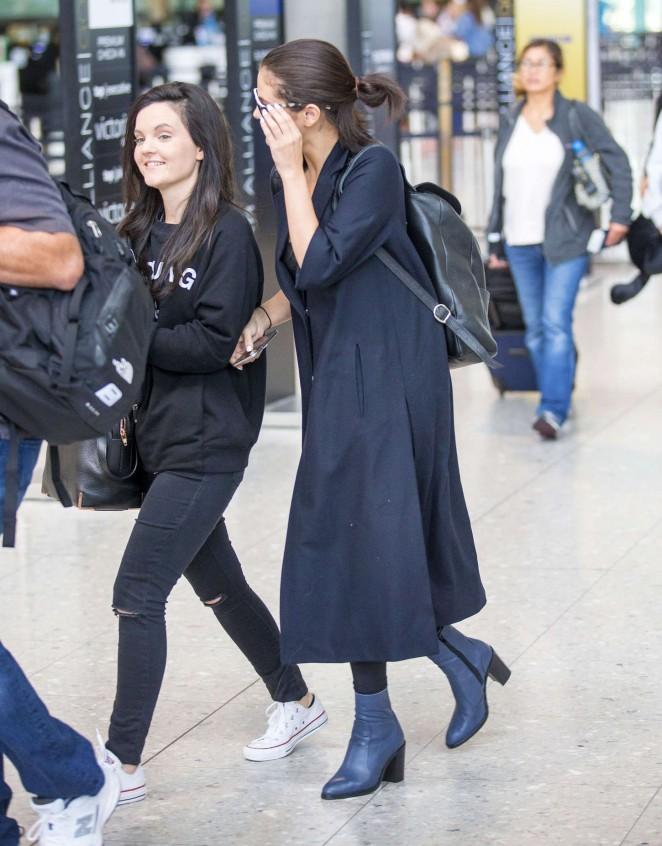 Selena Gomez: Heathrow Airport -13