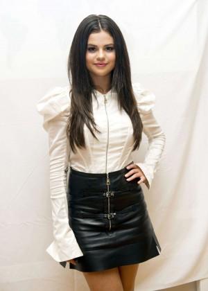 Selena Gomez - 'Hotel Transylvania 2' Press Conference in Cancun