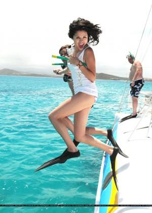 Selena Gomez in Bikini Bottoms -18