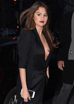 Selena Gomez in Black Dress -03