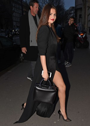 Selena Gomez in Black Dress -09