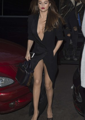 Selena Gomez in Black Dress -30
