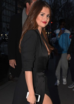 Selena Gomez in Black Dress -36