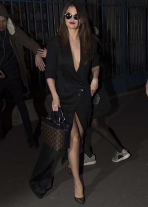 Selena Gomez in Black Dress -41