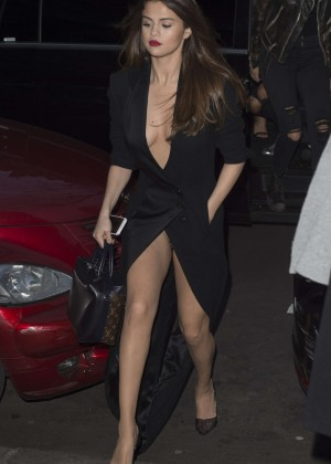 Selena Gomez in Black Dress -48