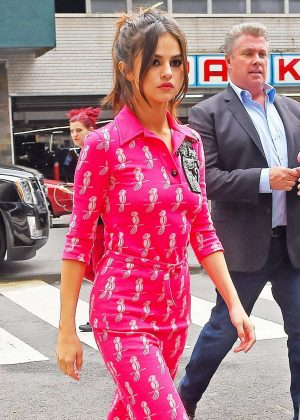 Selena Gomez in Pink Out in Manhattan
