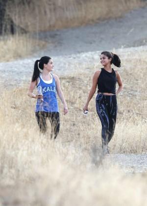 Selena Gomez Booty in Tights -07