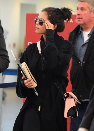 Selena Gomez - Laguardia Airport in New York