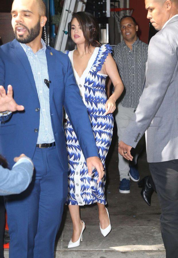 Selena Gomez 2019 : Selena Gomez: Leaves Live with Kelly and Ryan-01
