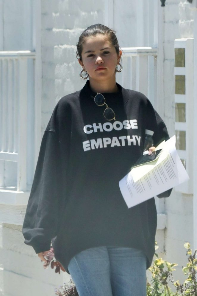 Selena Gomez – Leaving a doctors office in Beverly Hills