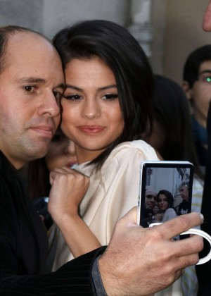 Selena Gomez: Leaving a recording studio -12