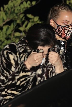Selena Gomez - Leaving dinner with friends at Nobu in Malibu
