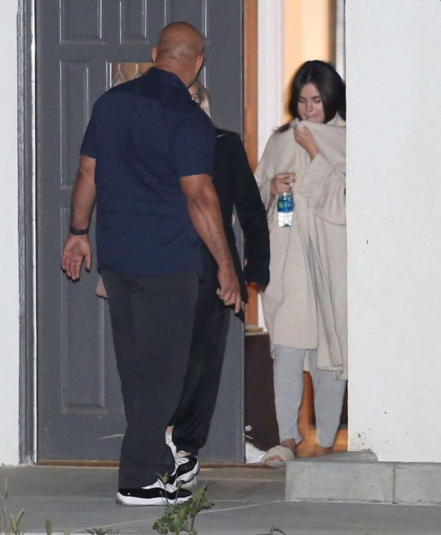 Selena Gomez - Leaving Friend's House in Los Angeles