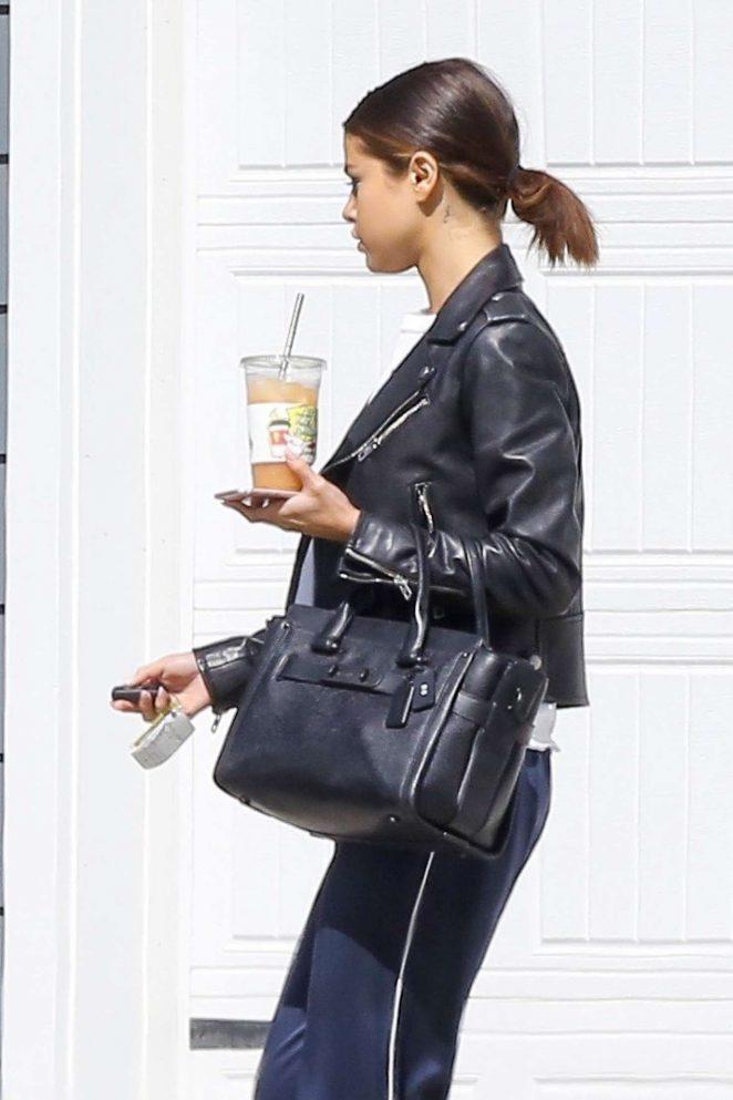 Selena Gomez - Leaving her home in LA