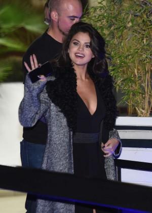 Selena Gomez: Leaving her hotel -02