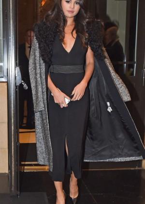 Selena Gomez: Leaving her hotel -21