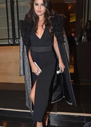 Selena Gomez: Leaving her hotel -25