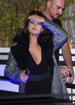 Selena Gomez: Leaving her hotel -26