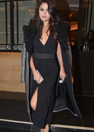 Selena Gomez: Leaving her hotel -30