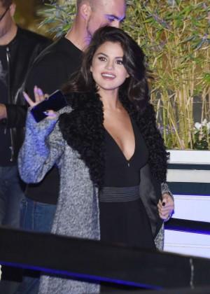 Selena Gomez: Leaving her hotel -33