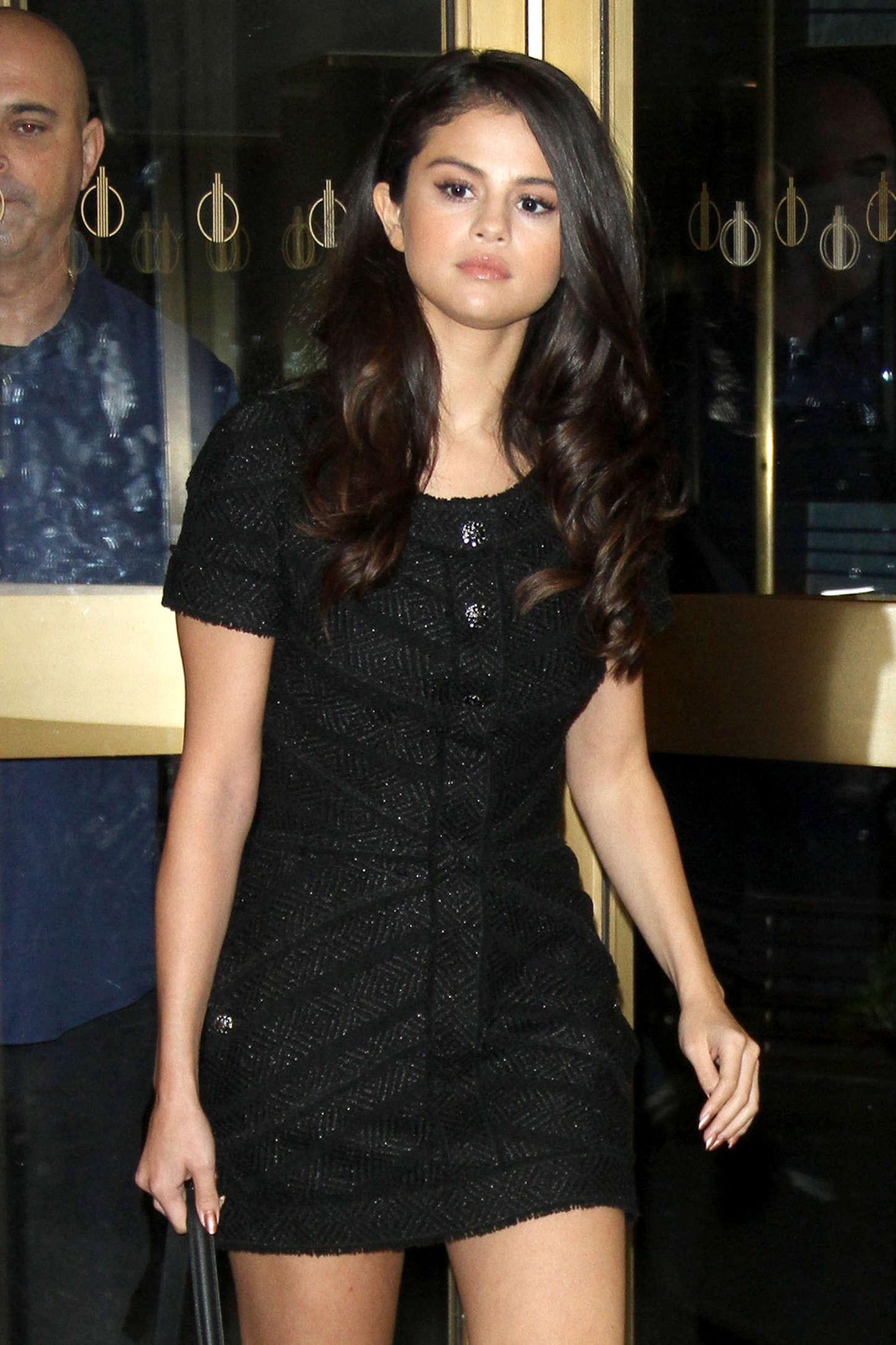 Selena Gomez In Short Black Dress 28 Full Size