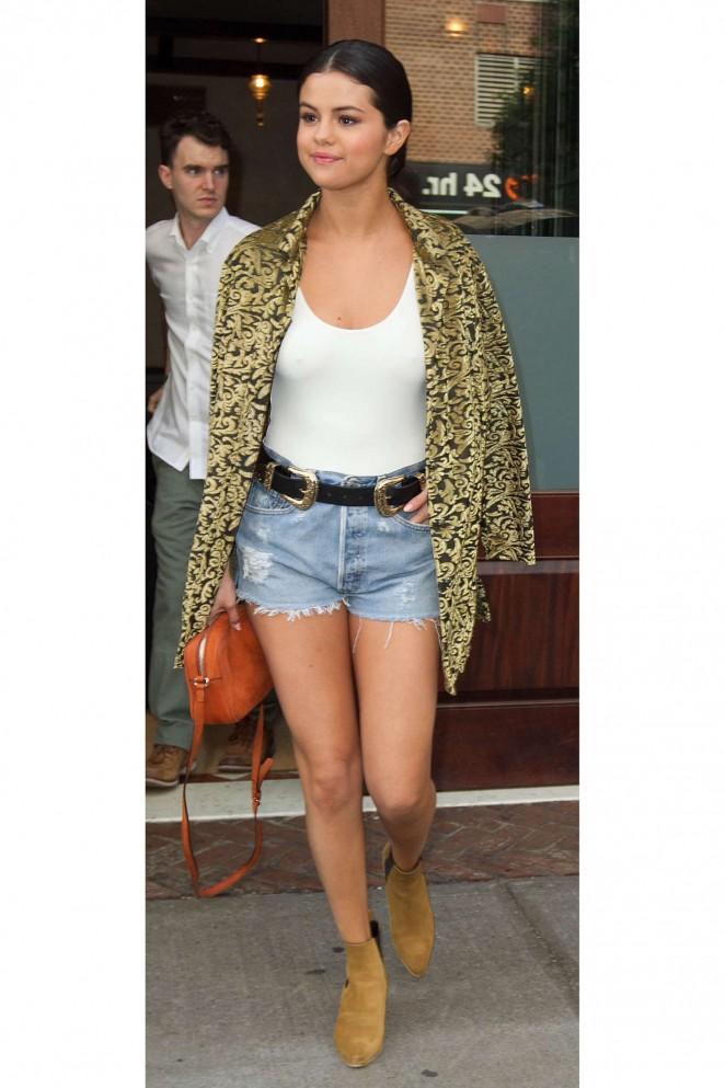 Selena Gomez in Denim Shorts -04 - GotCeleb
