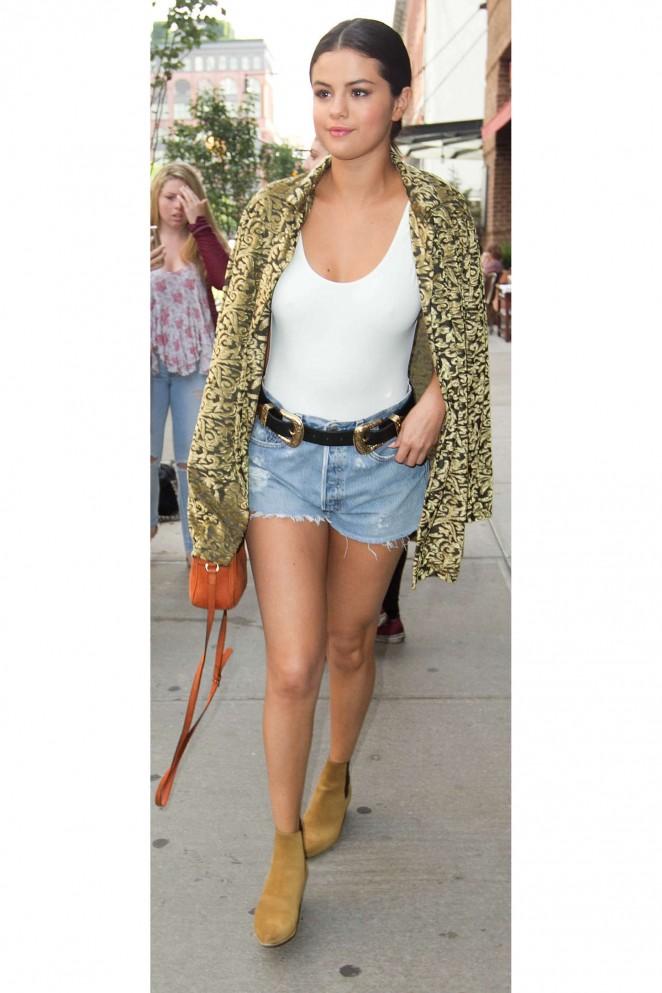 Selena Gomez in Denim Shorts -14 - GotCeleb