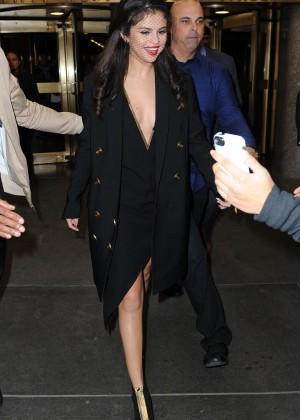 Selena Gomez: Leaving The Tonight Show -03