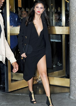 Selena Gomez - Leaving 'The Tonight Show' Studios in NY