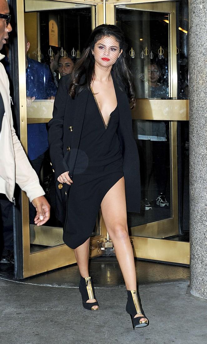 Selena Gomez - Leaving 'The Tonight Show' Studios in NY