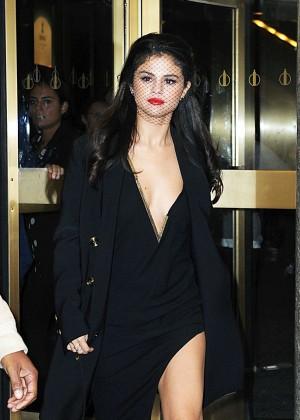 Selena Gomez: Leaving The Tonight Show -06