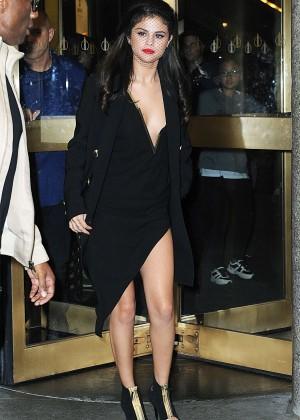 Selena Gomez: Leaving The Tonight Show -07