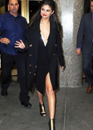 Selena Gomez: Leaving The Tonight Show -09