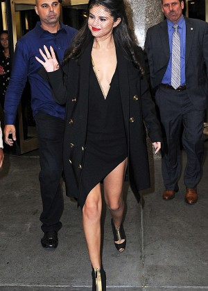 Selena Gomez: Leaving The Tonight Show -13