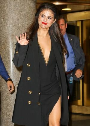Selena Gomez: Leaving The Tonight Show -14