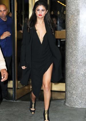 Selena Gomez: Leaving The Tonight Show -15