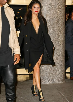 Selena Gomez: Leaving The Tonight Show -20