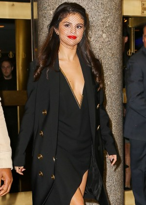 Selena Gomez: Leaving The Tonight Show -21