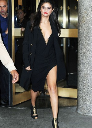 Selena Gomez: Leaving The Tonight Show -23