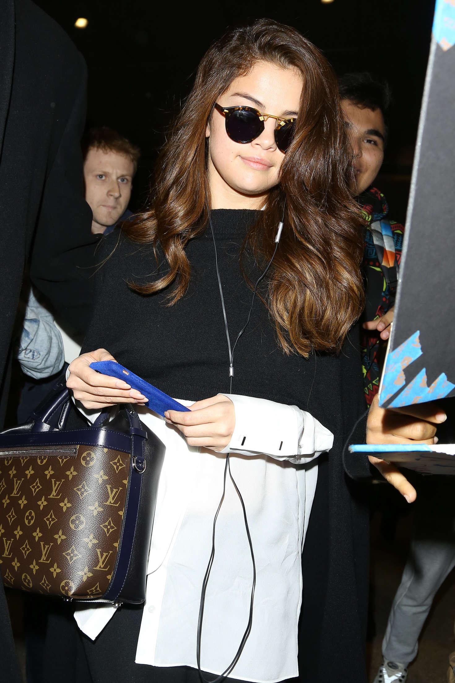 Selena Gomez - Los Angeles International Airport