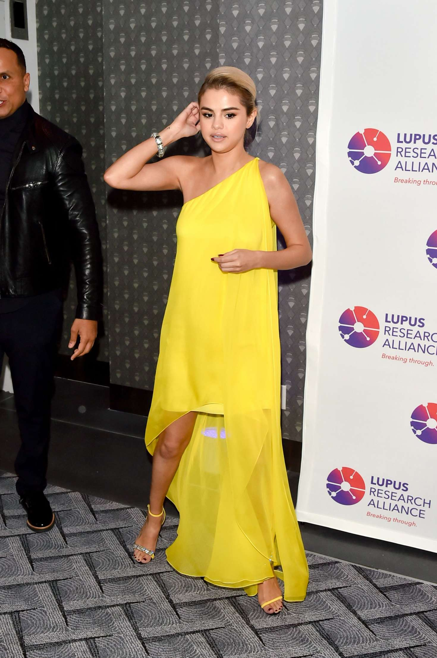 Selena Gomez 2017 : Selena Gomez: Lupus Research Alliance Breaking Through Lupus Gala -04