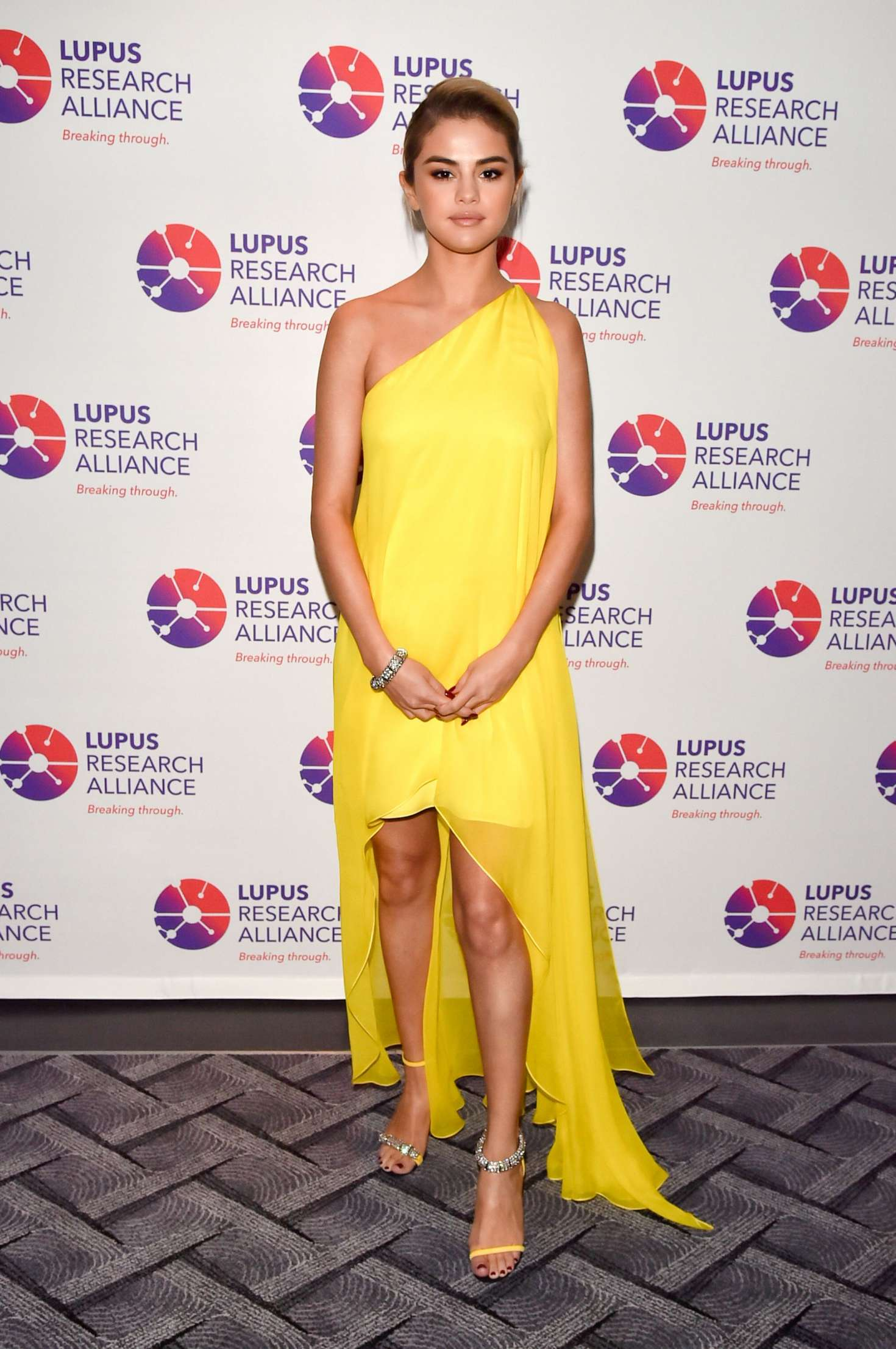 Selena Gomez 2017 : Selena Gomez: Lupus Research Alliance Breaking Through Lupus Gala -05
