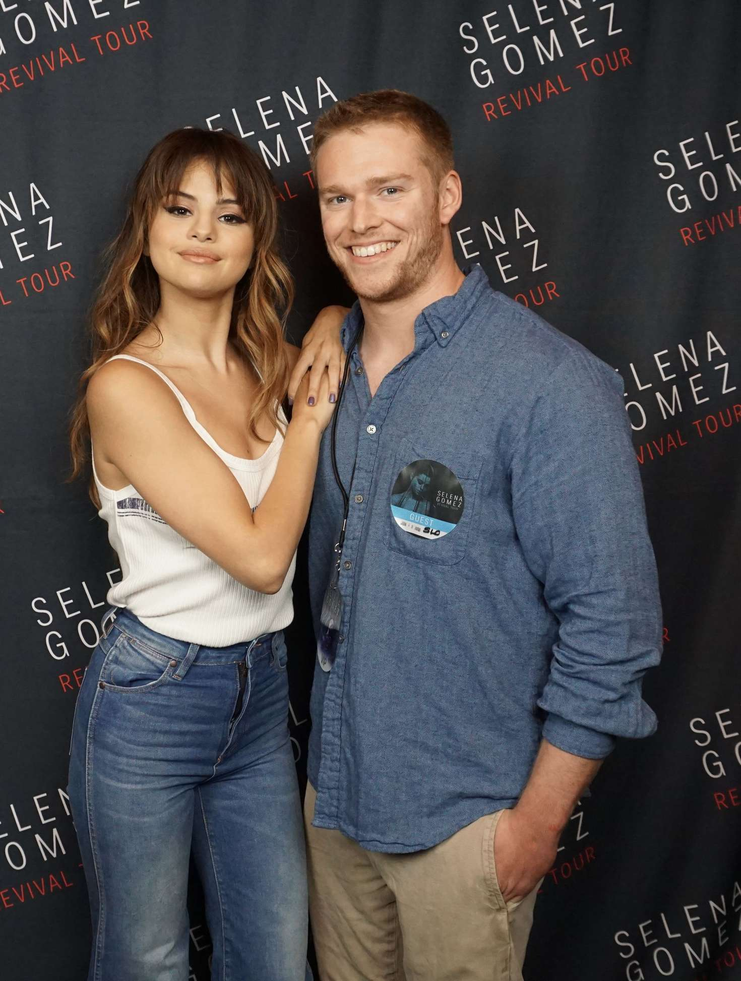 Selena gomez meet and greet at the revival world tour in chicago selena gomez meet and greet at the revival world tour kristyandbryce Gallery