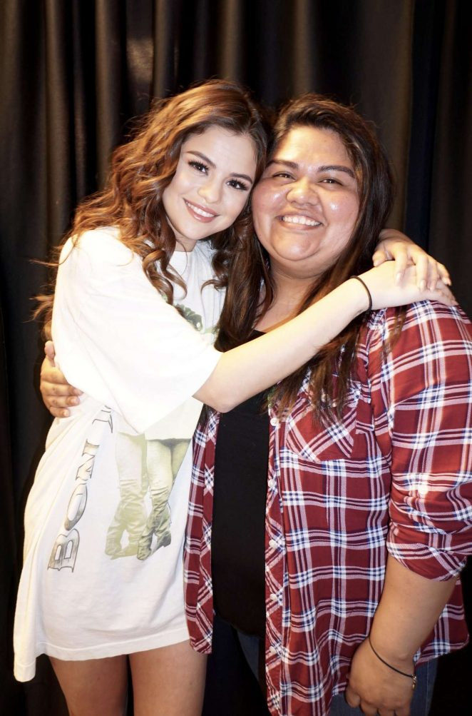 Selena Gomez – Meet and Greet at The Revival World Tour in Sacramento