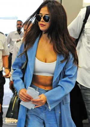 Selena Gomez - Miami International Airport