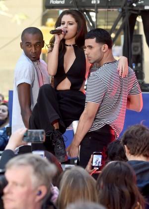 Selena Gomez: NBCs Today at Rockefeller Plaza -05