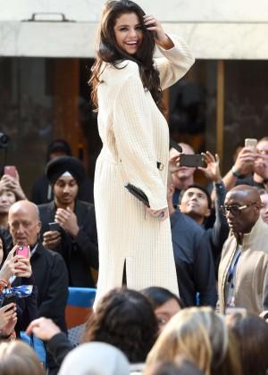Selena Gomez: NBCs Today at Rockefeller Plaza -06