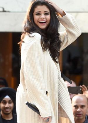 Selena Gomez: NBCs Today at Rockefeller Plaza -07
