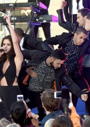 Selena Gomez: NBCs Today at Rockefeller Plaza -08